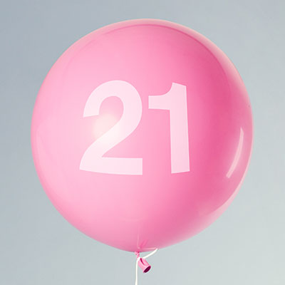 Balloon with the number 21 on it